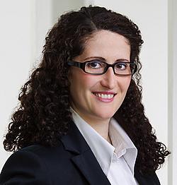 Dr. Astrid Dickinger